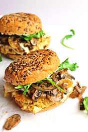 CAULIFLOWER QUINOA BURGERS WITH MUSHROOMS AND ONIONS