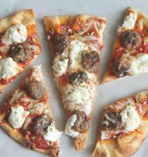 Sausage, Ricotta & Onion Naan Pizza
