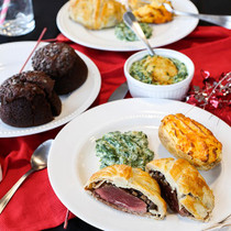 Filet Mignon Beef Wellington Dinner - 4 Servings