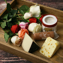 Romantic Cheeses Gift Set