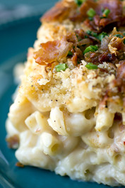 Mac n' Cheese with Three Cheeses and Crispy Prosciutto