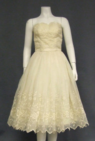Elegant Embroidered Ivory Chiffon Strapless 1950's Dress