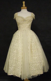 EXQUISITE Cream Lace & Tulle 1950's Wedding Dress