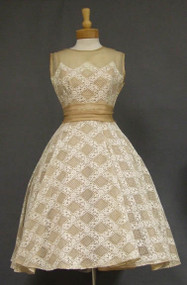 OUTSTANDING Will Steinman Beige Organdy & White Lace 1950's Cocktail Dress