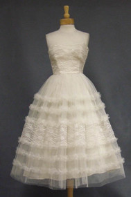Ivory Lace & Tulle Strapless 1950's Prom Dress