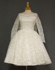AMAZING White Lace 1960's Wedding Dress w/ Watteau Back