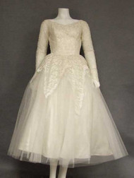 GORGEOUS Tea Length Lace & Tulle 1950's Wedding Dress