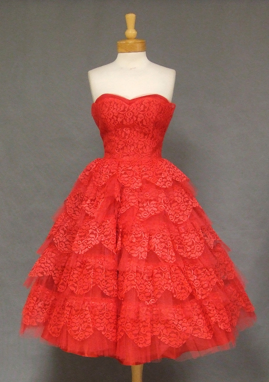 STUNNING Cherry Red Lace & Tulle Strapless