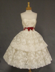 INCREDIBLE Ivory Lace Strapless 1950's Dress w/ Crimson Velvet