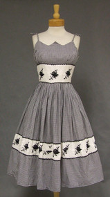 Terrific Black & White Gingham 1950's Sun Dress w/ Embroidered Insets