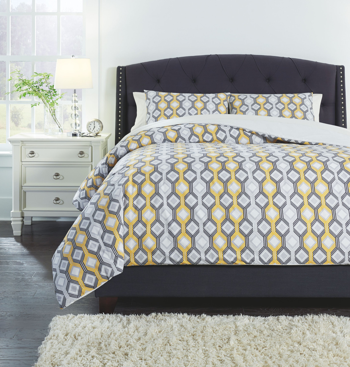 Picture of: The Mato Gray Yellow White Queen Comforter Set Available At Furniture Direct Serving Hattiesburg Ms And Surrounding Areas