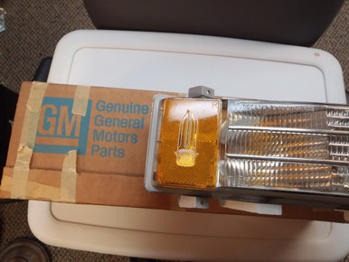 1976 Cadillac Right Side Cornering Lamp NOS 5967974