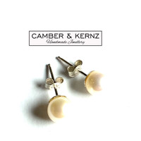 White Cultured 7mm Round Pearls .925 Studs