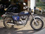 Triumph 750 Bonneville
