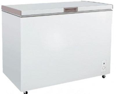 Chest freezer with Solid Top door