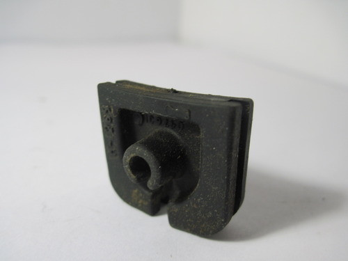 Poulan / Pro Chainsaw Throttle Cable GROMMET 530047631 220 221 260 2450  2550 Used