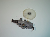 Solo Chainsaw  647 654 Oil Pump w/ Large gear  oiler  USED