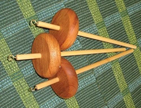 This spindle is wonderfully balanced and is effortless to spin on.