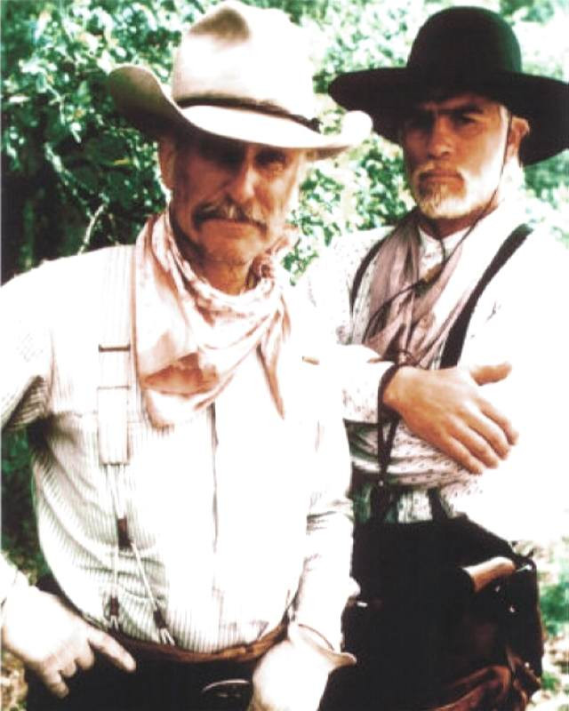 9728493a Lonesome Dove Robert Duvall & Tommy Lee Jones 8 x 10 Gloss Photo ...