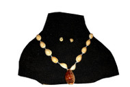 Milk-Shell Necklace with Pendant
