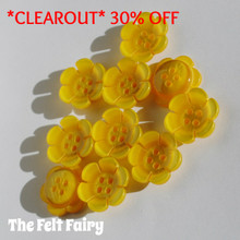 Bright Flower Button - Yellow