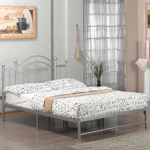 Full size Metal Platform Bed Frame with Headboard and Footboard in Silver FMPBS47663015