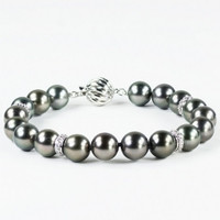 Imperial Tahitian Pearl Bracelet With Diamond Roundels TP26/075-BN/DR
