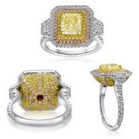 4.68 Ct Fancy Color Diamond Ring (ydrad 2.36ct, Trap 0.30ct, Rd 0.88ct, Pink 0.38ct, Ydrd 0.76ct)