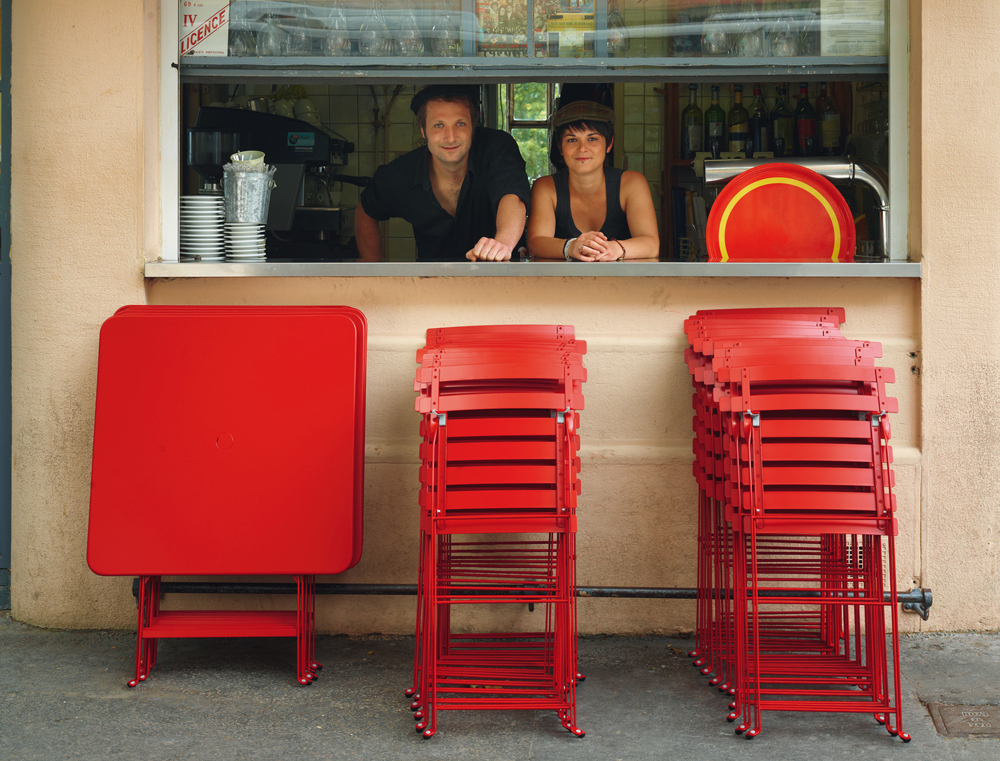 bistro-tables-et-chaises-fermob-buvette-lyon-album-2013.jpg