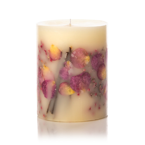 Rosy Rings Apricot and Rose Botanical Candle 300 hr.