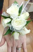 White spray roses with accents