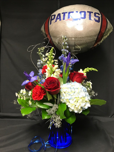 The Perfect way top cheer on The Patriots for the Superbowl. A nice nice of blue red white and touches of silver and a Patriots Mylar balloon to go with it!
