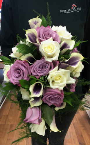 Gorgeous mix of Picasso Mini Callas and Roses