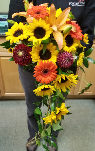 Stunning Bridal bqt filled with sun flowers, dahlias Gerber daisy's, lilies, Viking poms and ruscus