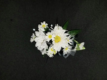 White daisy's with upgraded on crystal gem accents