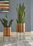 Ashley Donisha Antique Brass Finish Planter Set (2/CN)