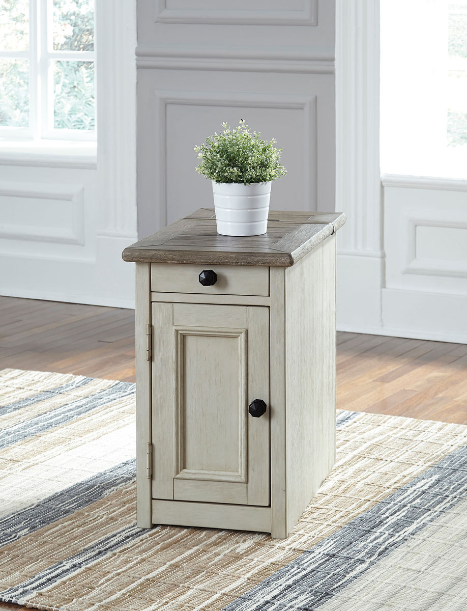 Awesome Ashley Bolanburg Two Tone Chair Side End Table Pabps2019 Chair Design Images Pabps2019Com