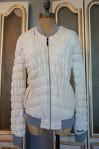 Pre-owned Bench. Puffer Jacket White/Cream Large