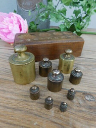 SET OF ANTIQUE BRASS KITCHEN WEIGHTS