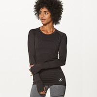 27d5ce04127fd Women s Tampa Bay Lightning lululemon Black Swiftly Tech Long Sleeve Crew