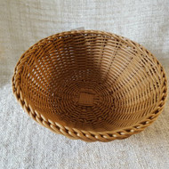 Woven Round Basket  27 cm Hand woven with food and dishwasher safe material. Heat resistant to 120* C270 mm x 100 mm