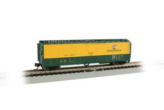 17958 N Scale Bachmann ACF 50' Steel Reefer Chicago & Northwestern