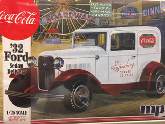 MPC902 MPC '32 Ford Sedan Delivery 1/25 Scale Plastic Model Kit