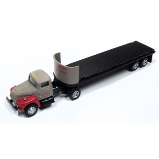 31184 HO Scale Classic Metal Works IH R-190 Tractor/32' Flat Bed Trailer Set-Breir & Smith Building