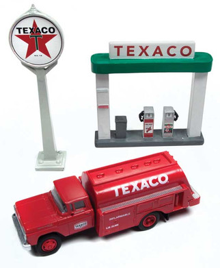 40002 HO Scale Classic Metal Works 1960 Ford Tank Truck w/Station Sign and Gas Pump Island-Texaco