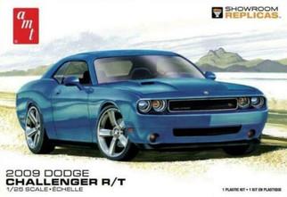 AMT1117 AMT 2009 Dodge Challenger R/T 1/25 Scale Plastic Model Kit
