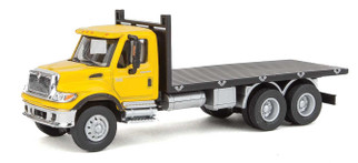 949-11653 HO Scale Walthers SceneMaster International(R) 7600 3-Axle Flatbed Truck