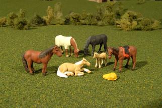 33169 O Scale Bachmann SceneScapes Horses 6pk