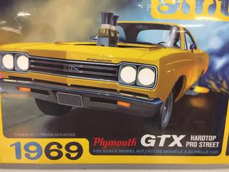 AMT1180 AMT 1969 Plymouth GTX Hardtop Pro Street 1/25 Scale Plastic Model Kit