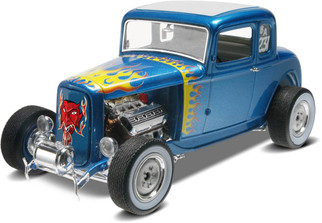 85-4228 Revell '32 5-Window Coupe 2' n 1 1/25 scale Plastic Model Kit
